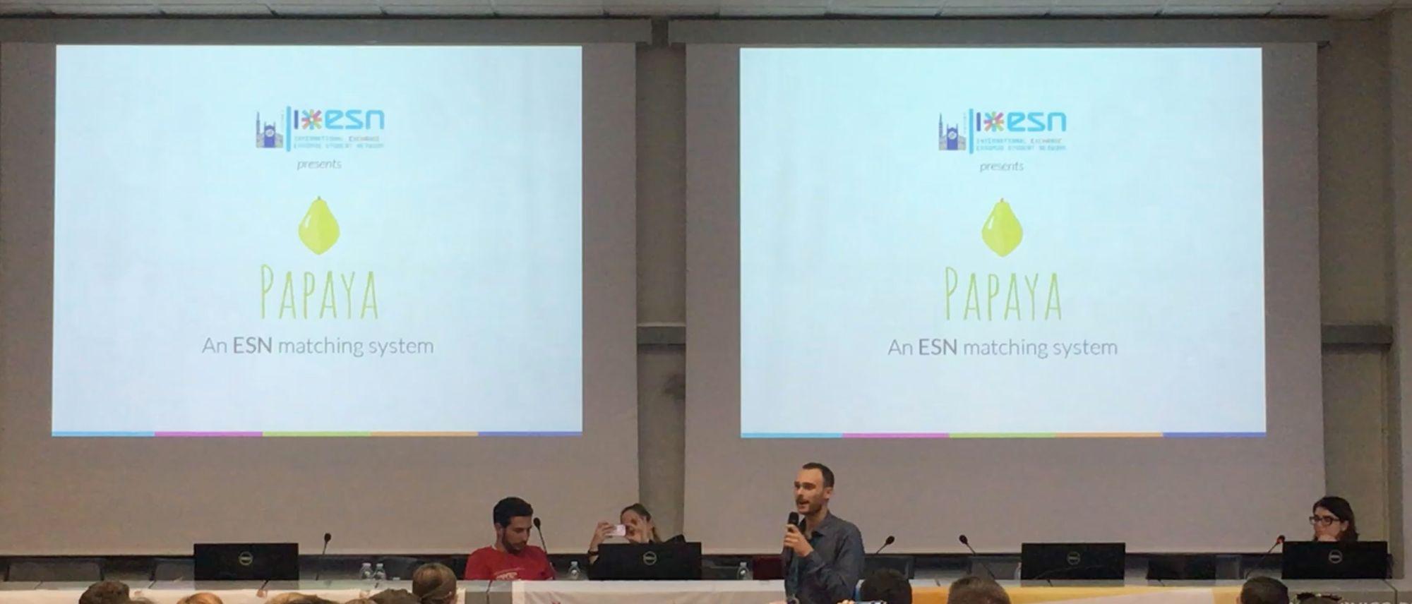Presentazione di Papaya allo showcase